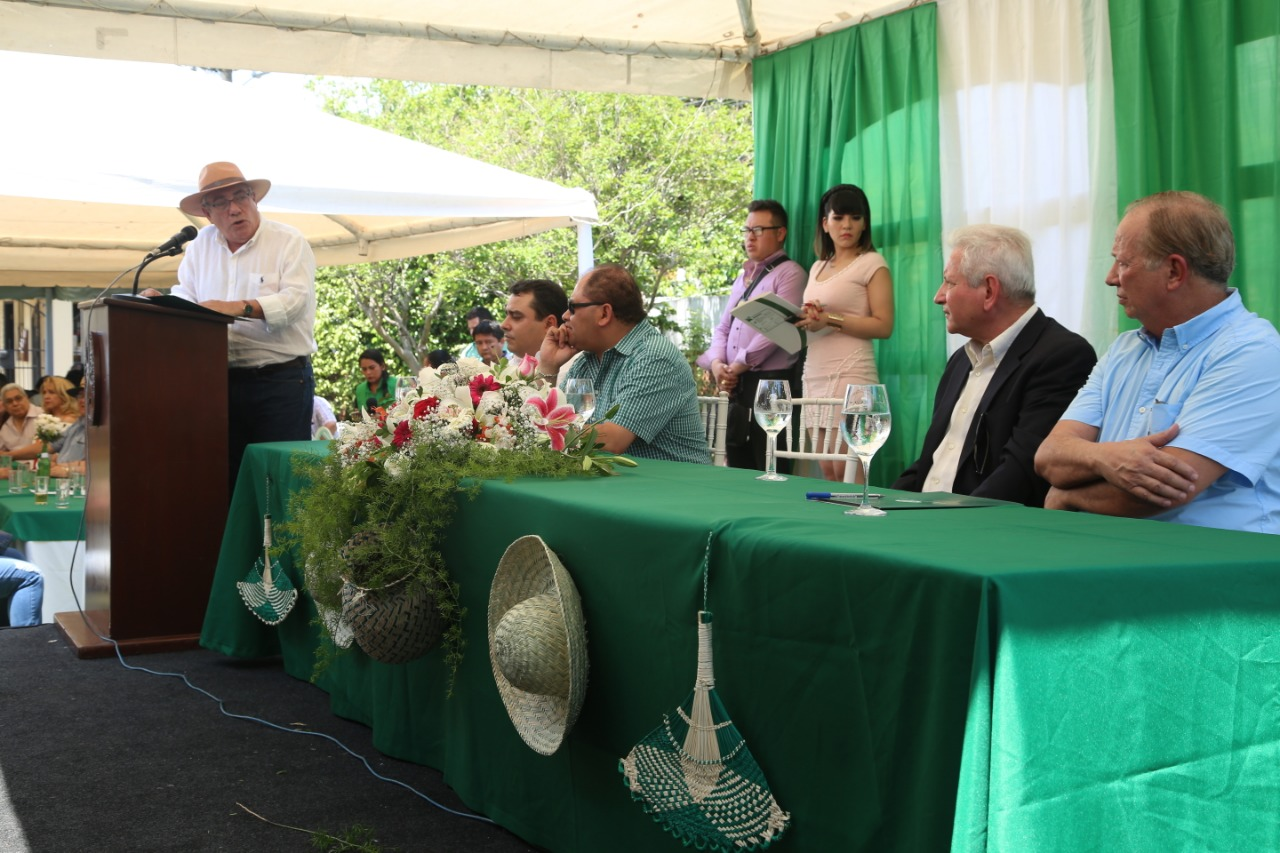Gobernador Rubén Costas participa del Día del Ganadero en Fegasacruz