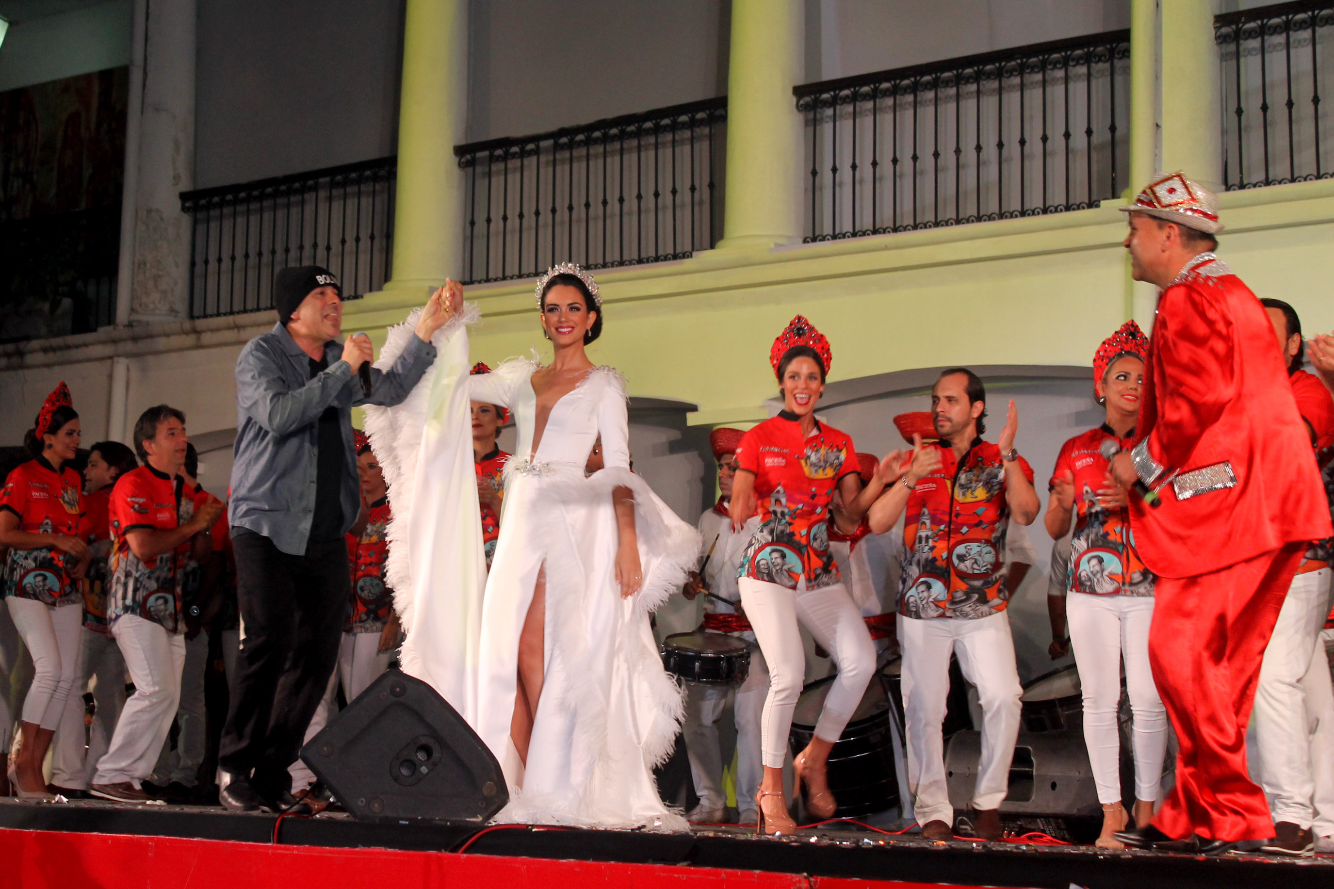 Los Flojonazos presentaron  a la Reina del Carnaval 2019
