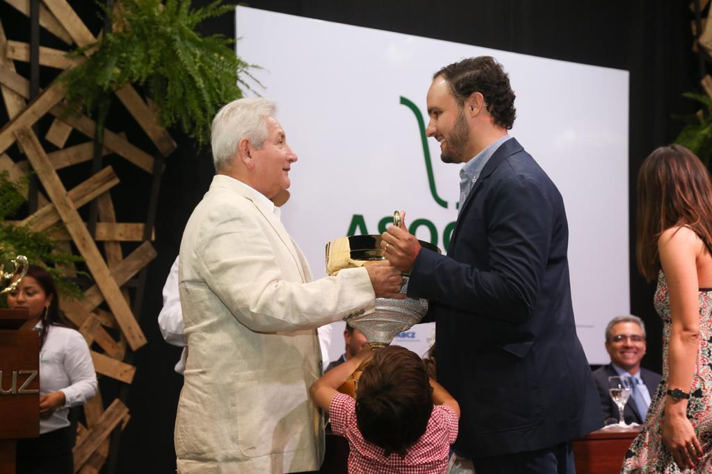 Rubén Costas participó de la premiación del ranking nacional Asocebú 2017-2018
