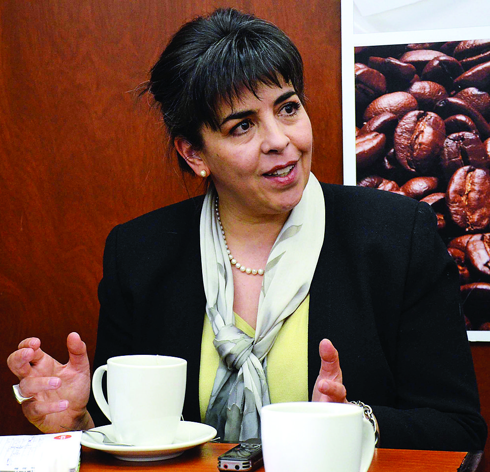 La urea no es respuesta a la producción agrícola porque lo que hace es destruir la vida biológica del suelo: experta Cecilia Requena