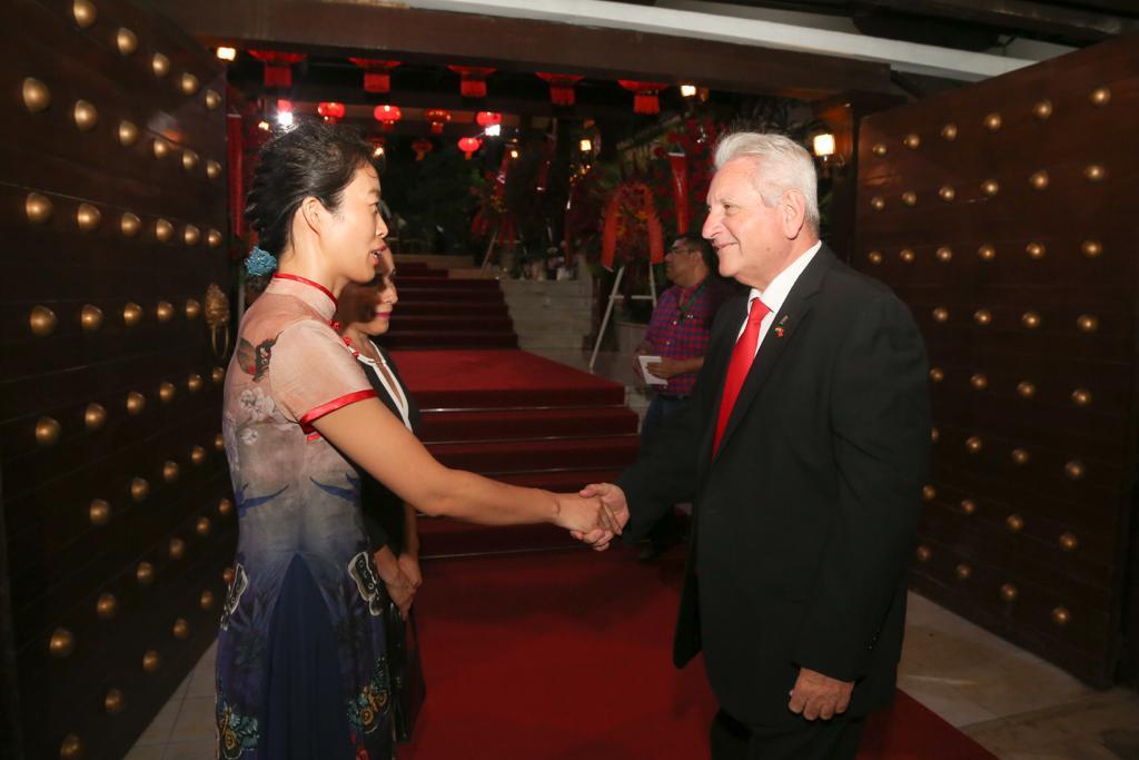 Gobernador participó de los 69 aniversario de la fundación República Popular China