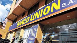 Senador denuncia millonarios sueldos en estatal Banco Unión