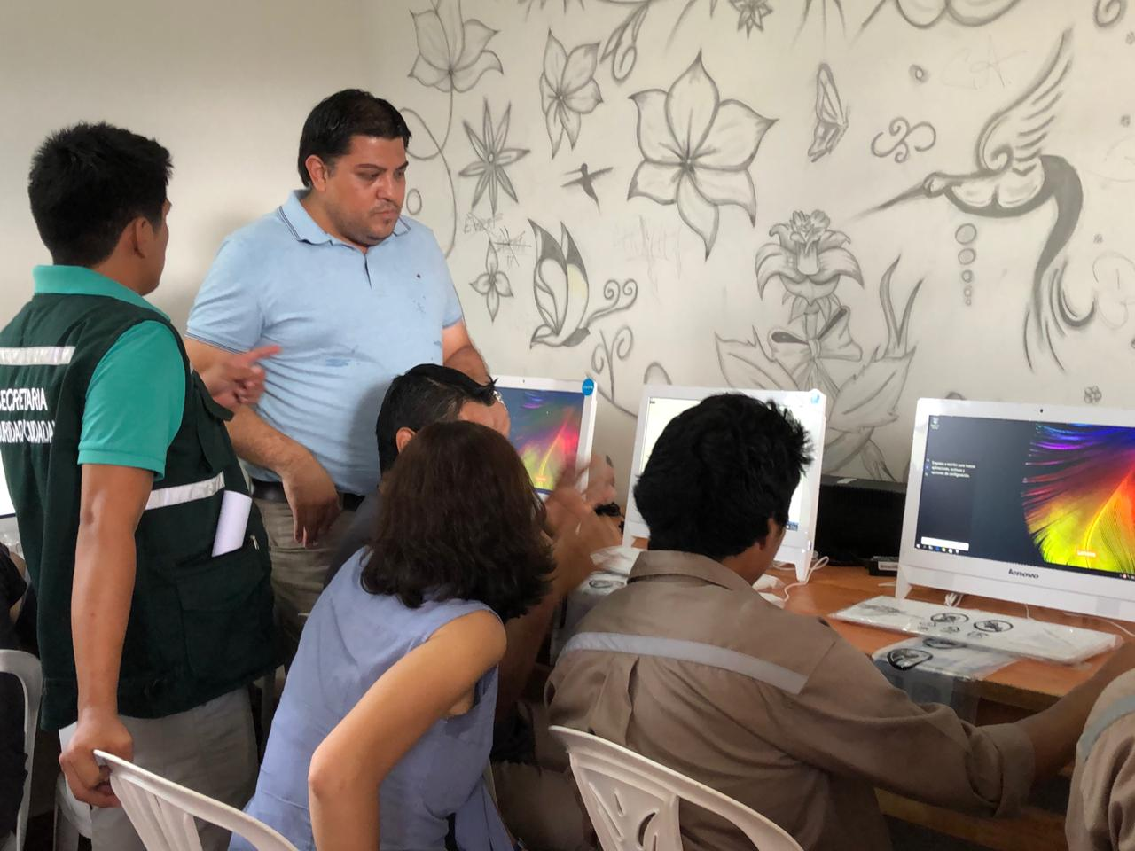 Unicef entrega computadoras a Cenvicruz para la educación digital de los jóvenes
