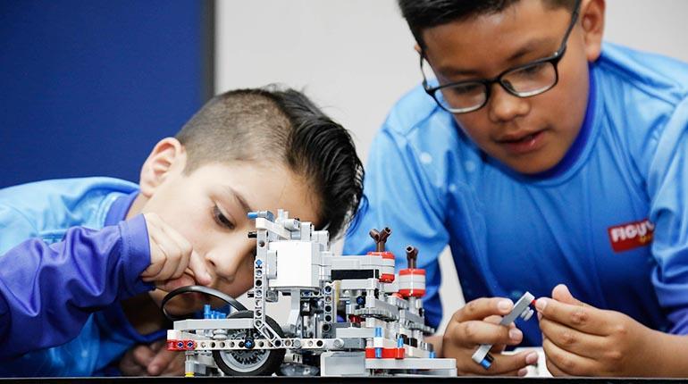 Escolares bolivianos participan del mundial de robótica en Tailandia