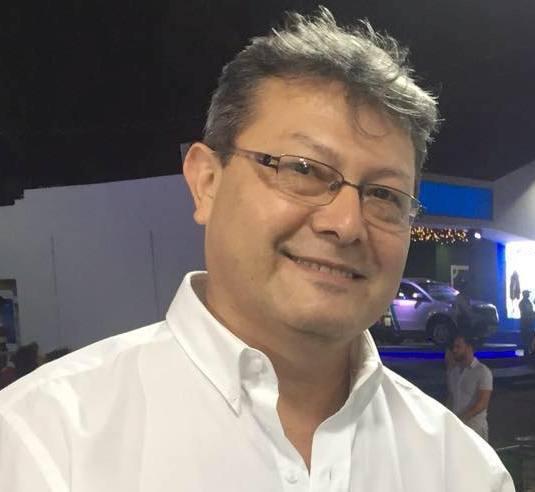 Votar contra el centralismo económico: expresidente de Colegio de Economistas