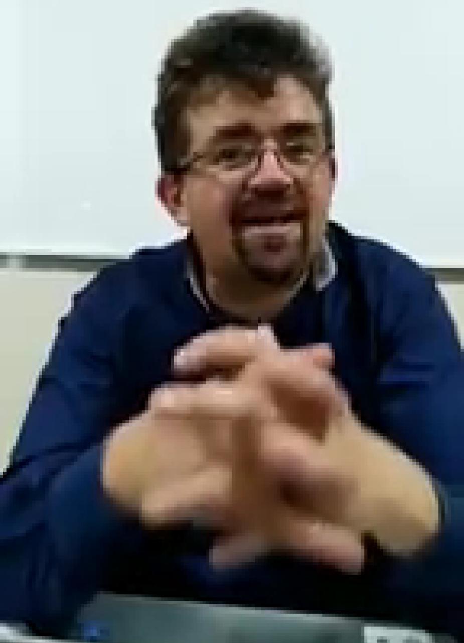 Investigador, profesor de UMSA, doctor en Ciencias Políticas Diego Ayo denuncia clan gubernamental para traficar con tierras