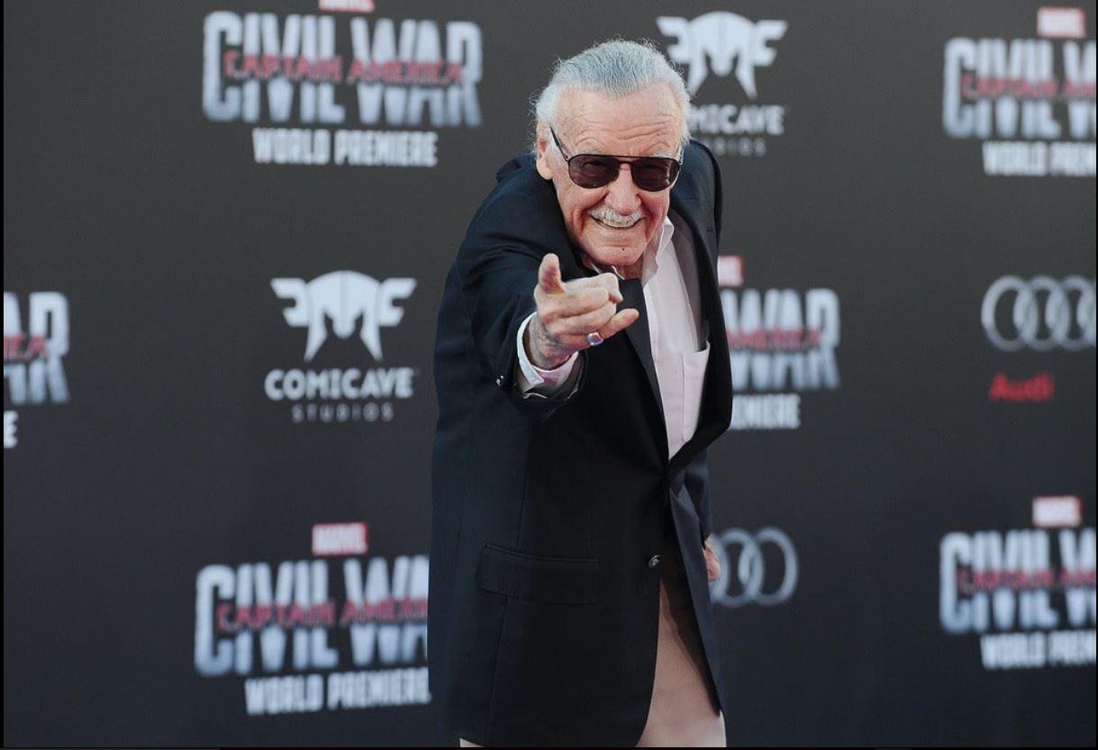 Stan Lee, superhéroe de Marvel Comics, muere a los 95 años