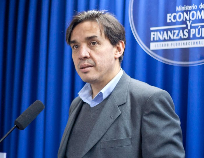 Ministro de Economía Mario Guillén admite que deuda externa boliviana se duplicó