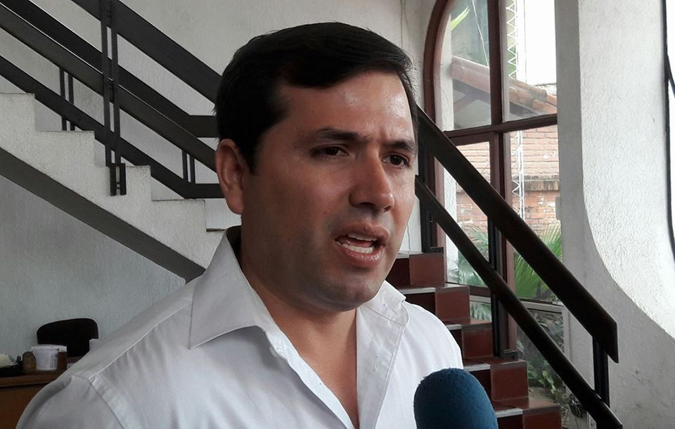 Exconcejal municipal Leonardo Roca pone en tela de juicio el cooperativismo, por robo ocurrido en cooperativa cruceña COTAS