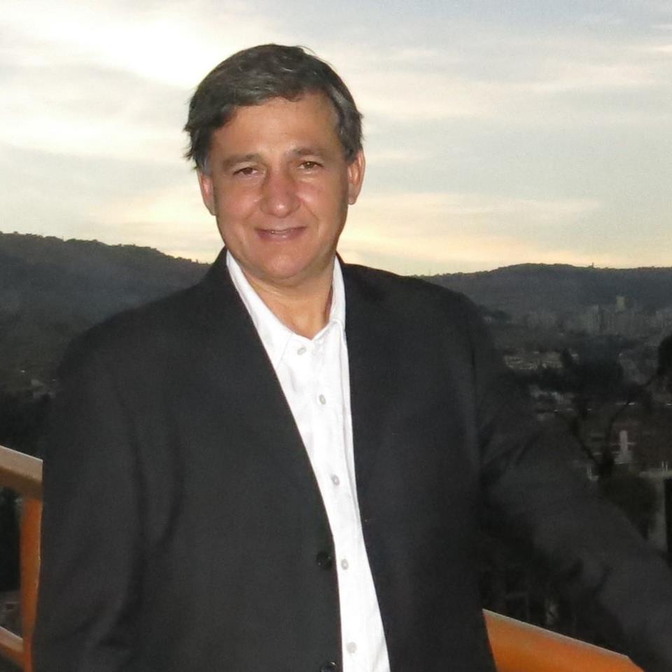 Analista financiero Luis García Arce ve inviable exploración petrolera en Oruro
