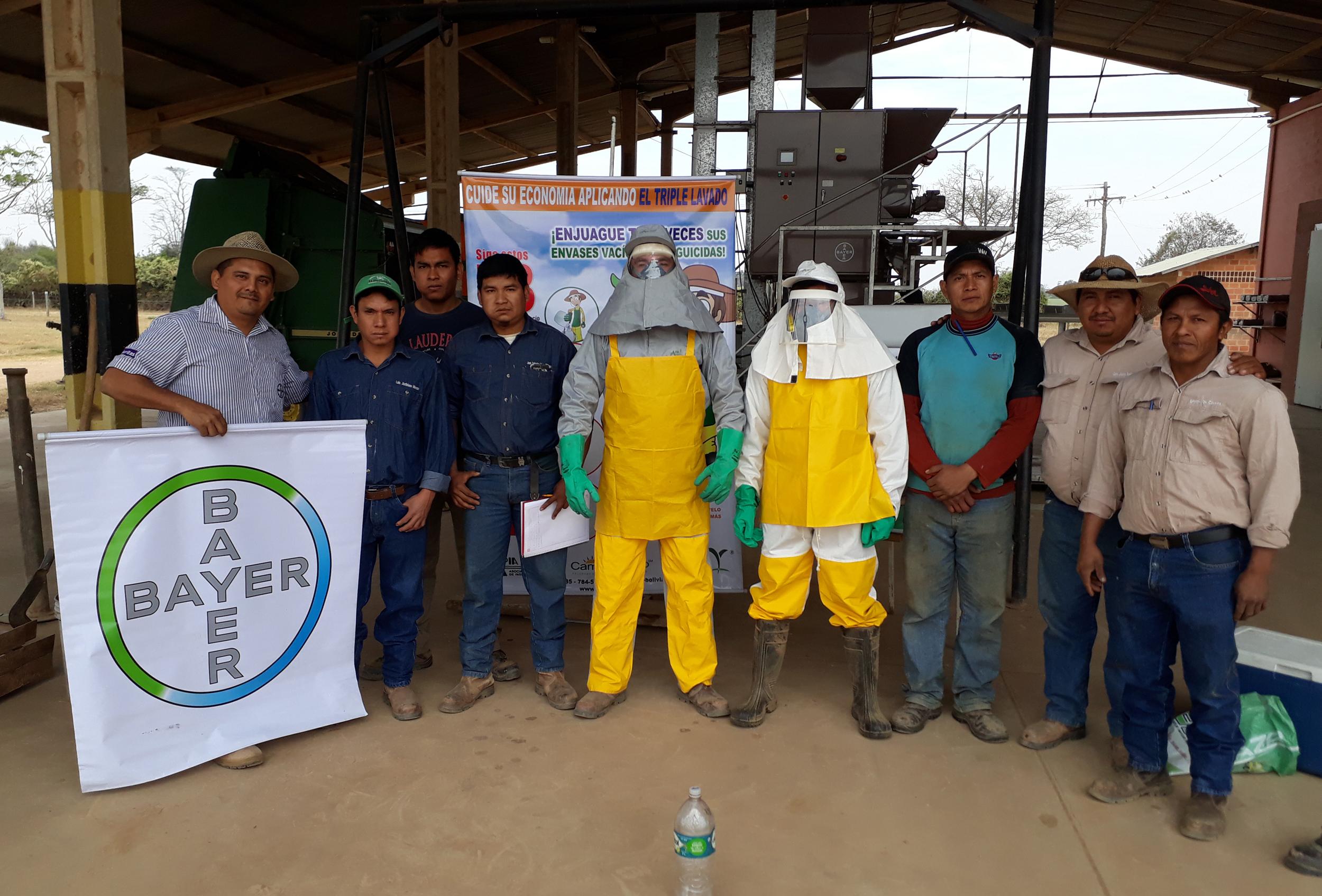 Bayer capacita a agricultores  para el buen uso de sus productos