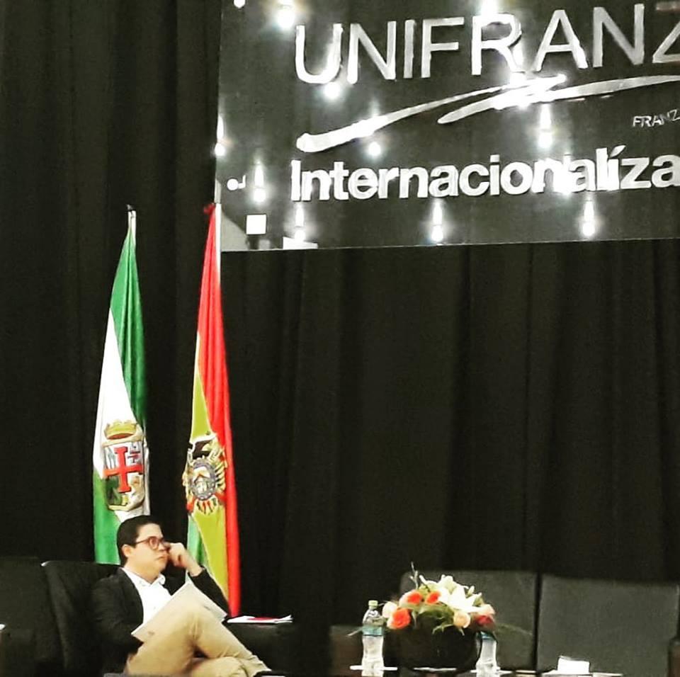 UNIFRANZ: Jornadas Jurídicas a una década de la Constitución Política del Estado