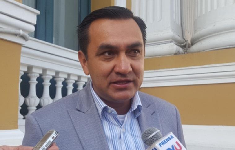 Senador Yerko Núñez critica despilfarro en empresa estatal de San Buenaventura