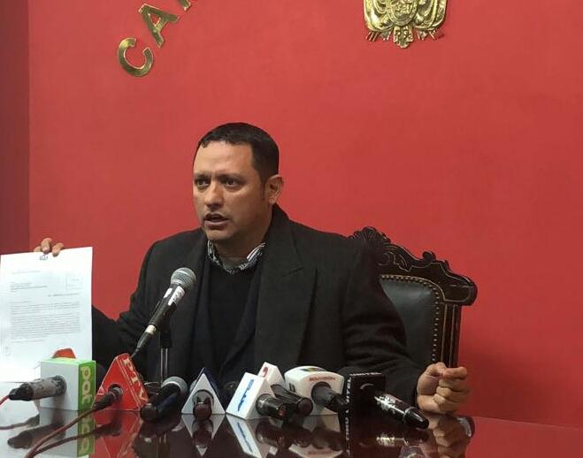 Diputado Luis F. Dorado denuncia corrupción sindical de la petrolera estatal