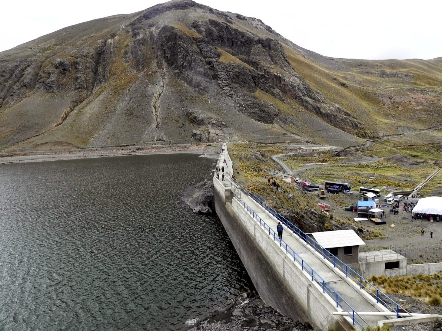 Bolivia muestra avances en los estándares de seguridad de sus represas