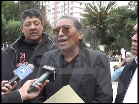 Candidato vicepresidencial Fernando Untoja explica funcionamiento de maquinaria económica boliviana