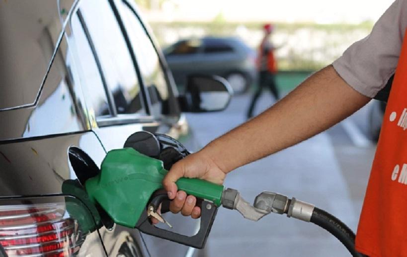 Gasolina con precio internacional a extranjeros