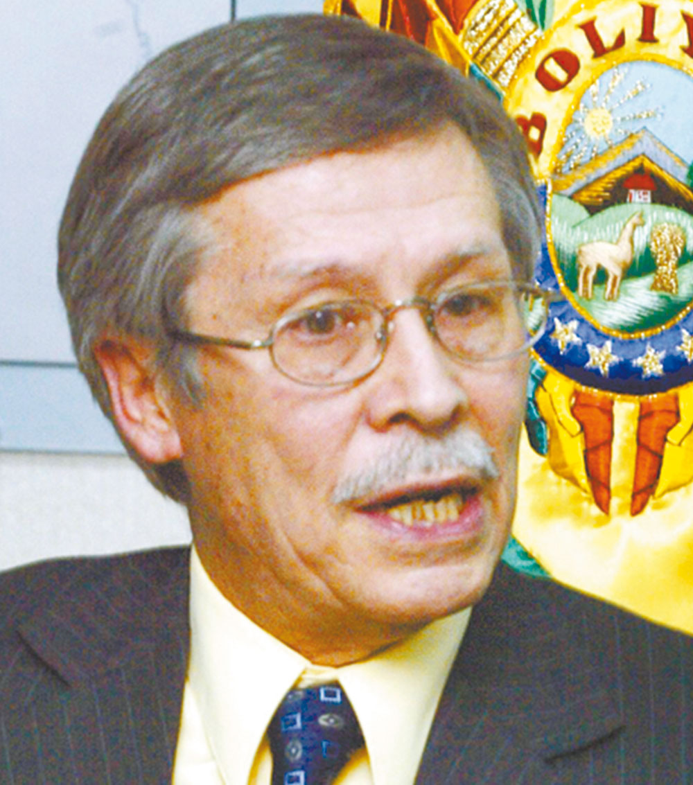 Combustibles ofertados por el gobierno no tienen mucha aceptación: exministro de Hidrocarburos Guillermo Torres