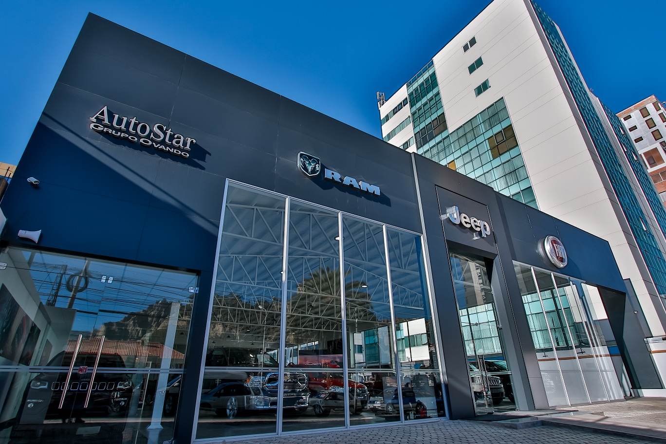 AutoStar Integra sus servicios de Venta y Post-Venta en un Nuevo Showroom jamás visto en la ciudad de La Paz