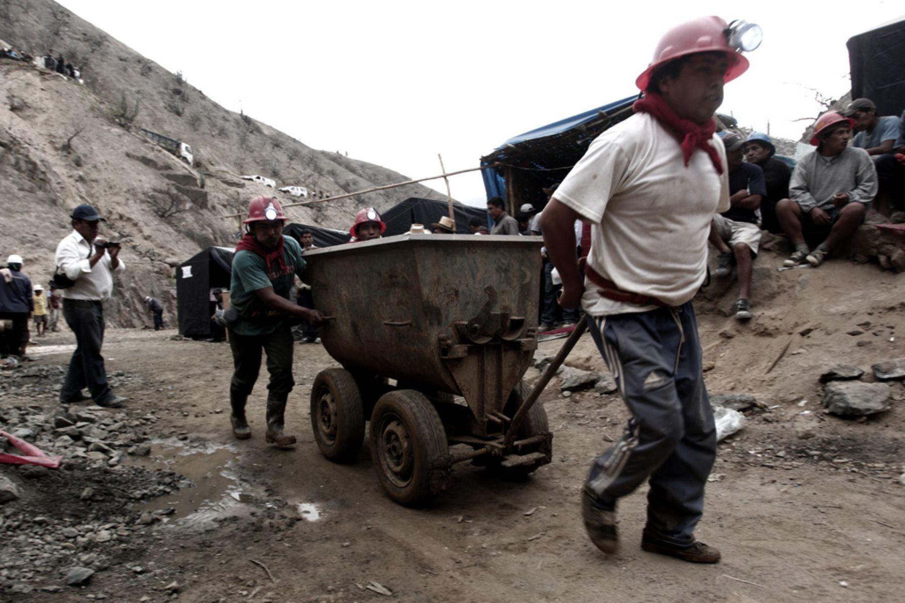 Reportan crecimiento de 30% en número de cooperativas mineras de Bolivia
