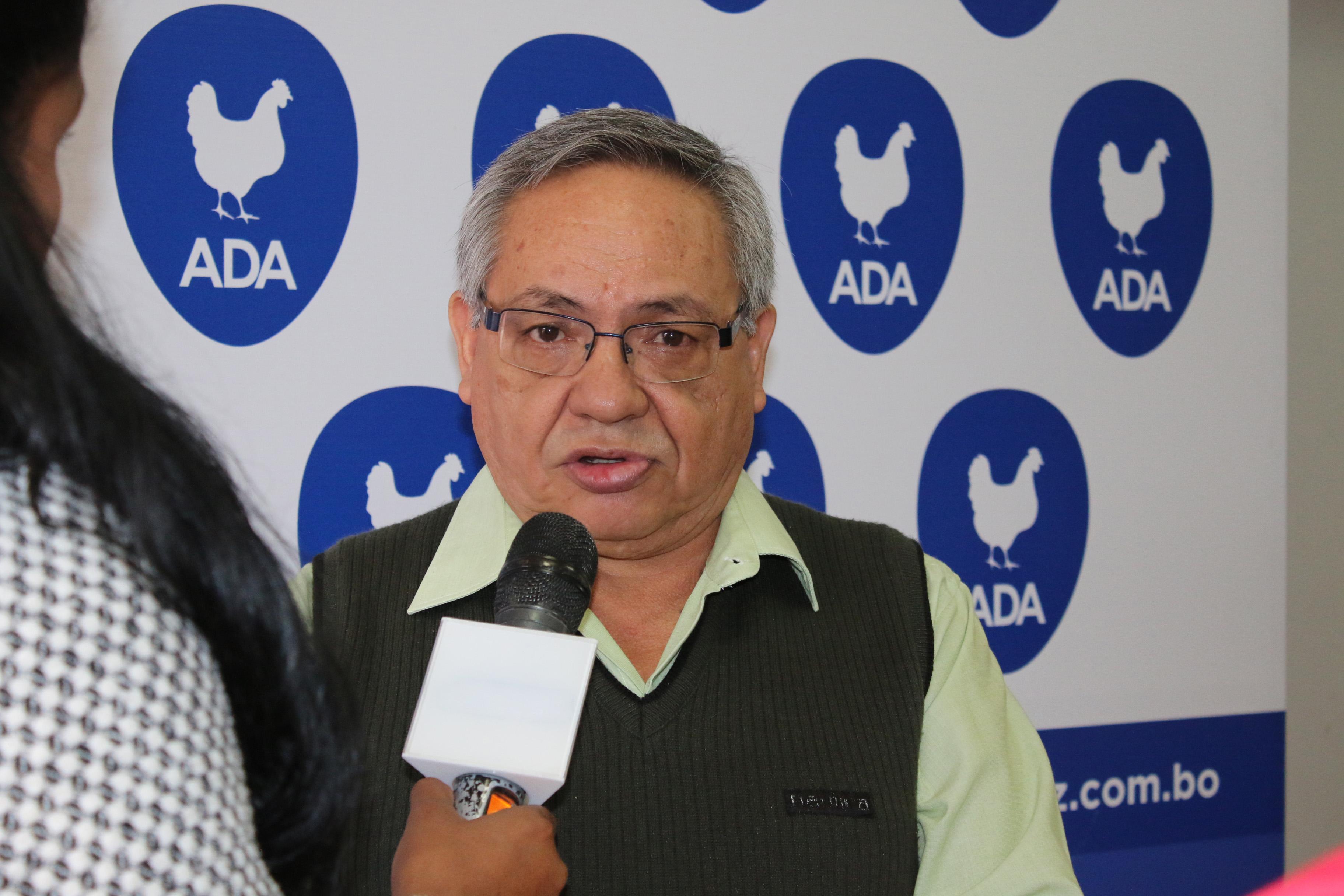 Sector avicultor privado en severa crisis por sobreoferta