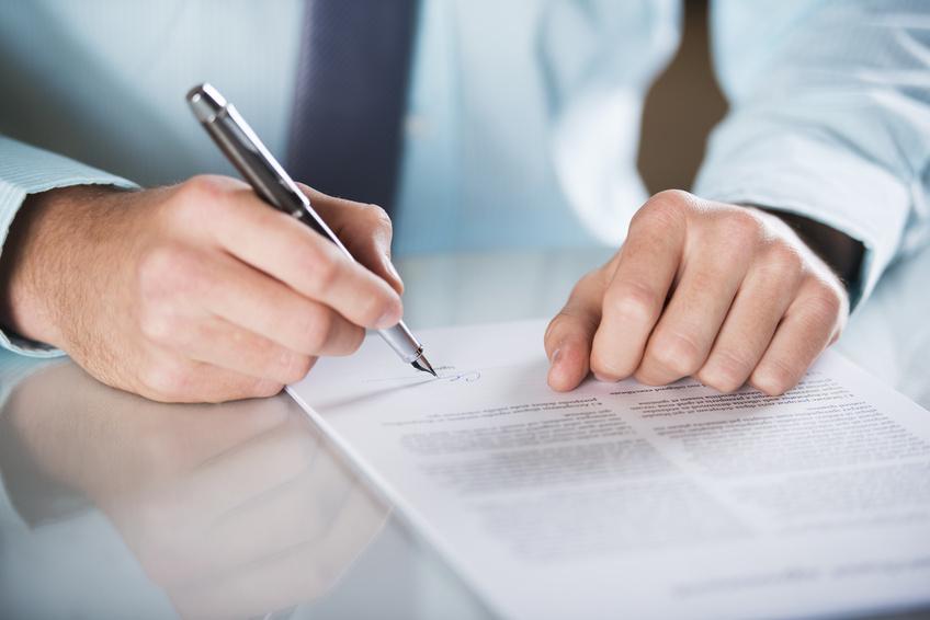 Contratos administrativos: una naturaleza jurídica  oculta