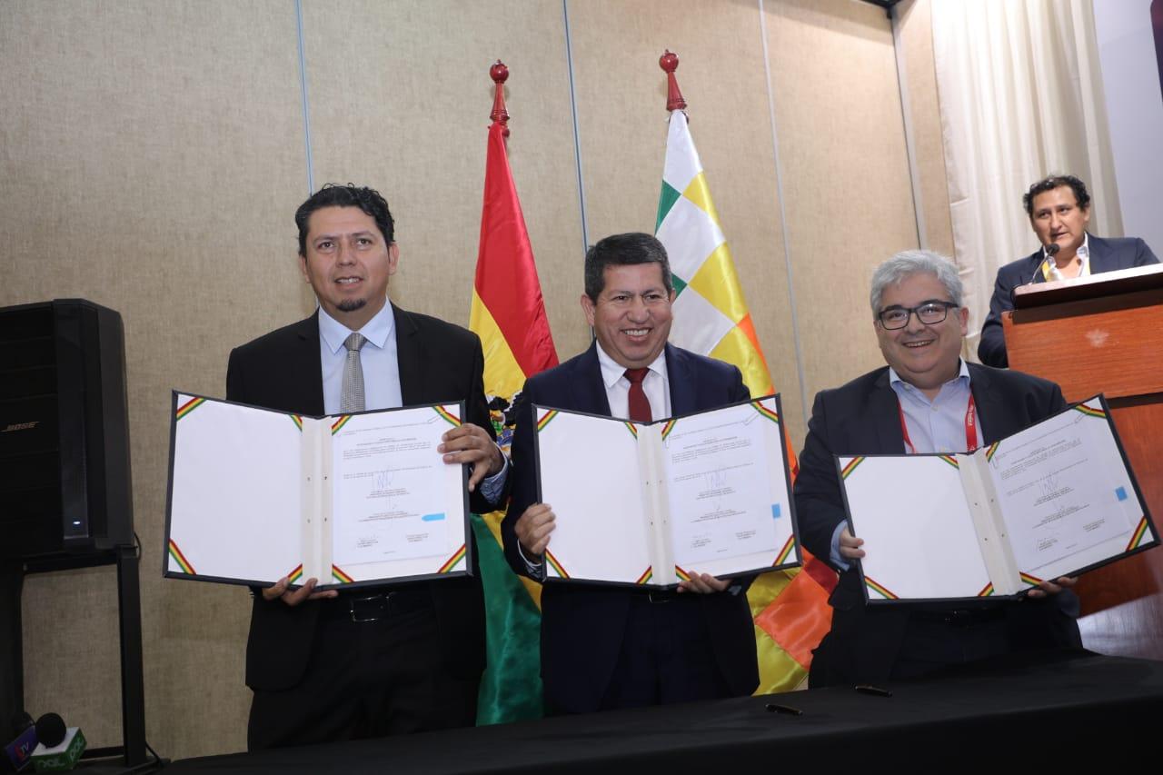 YPFB y COPAGAZ firman contrato de compra-venta de GLP hasta 72.000 toneladas por año