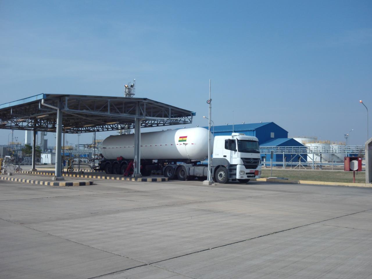 YPFB inició exportación de GLP al Brasil