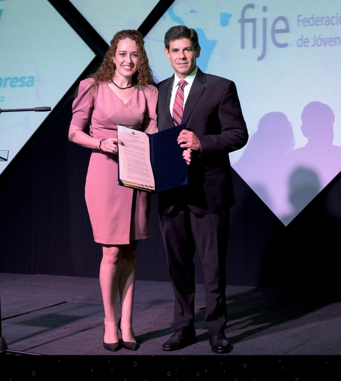 Cámara de Senadores reconoce a Juventud Empresa