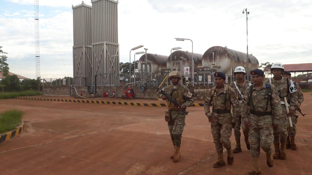 Efectivos de la Armada Boliviana brindan seguridad en YPFB