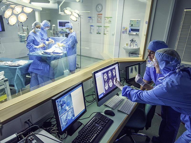 Rumbo a los hospitales inteligentes: los desafíos que traerá la implementación de la red 5G para la salud