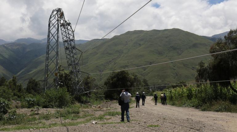 ENDE prevé reponer en 5 días las torres colapsadas por las lluvias en Cochabamba