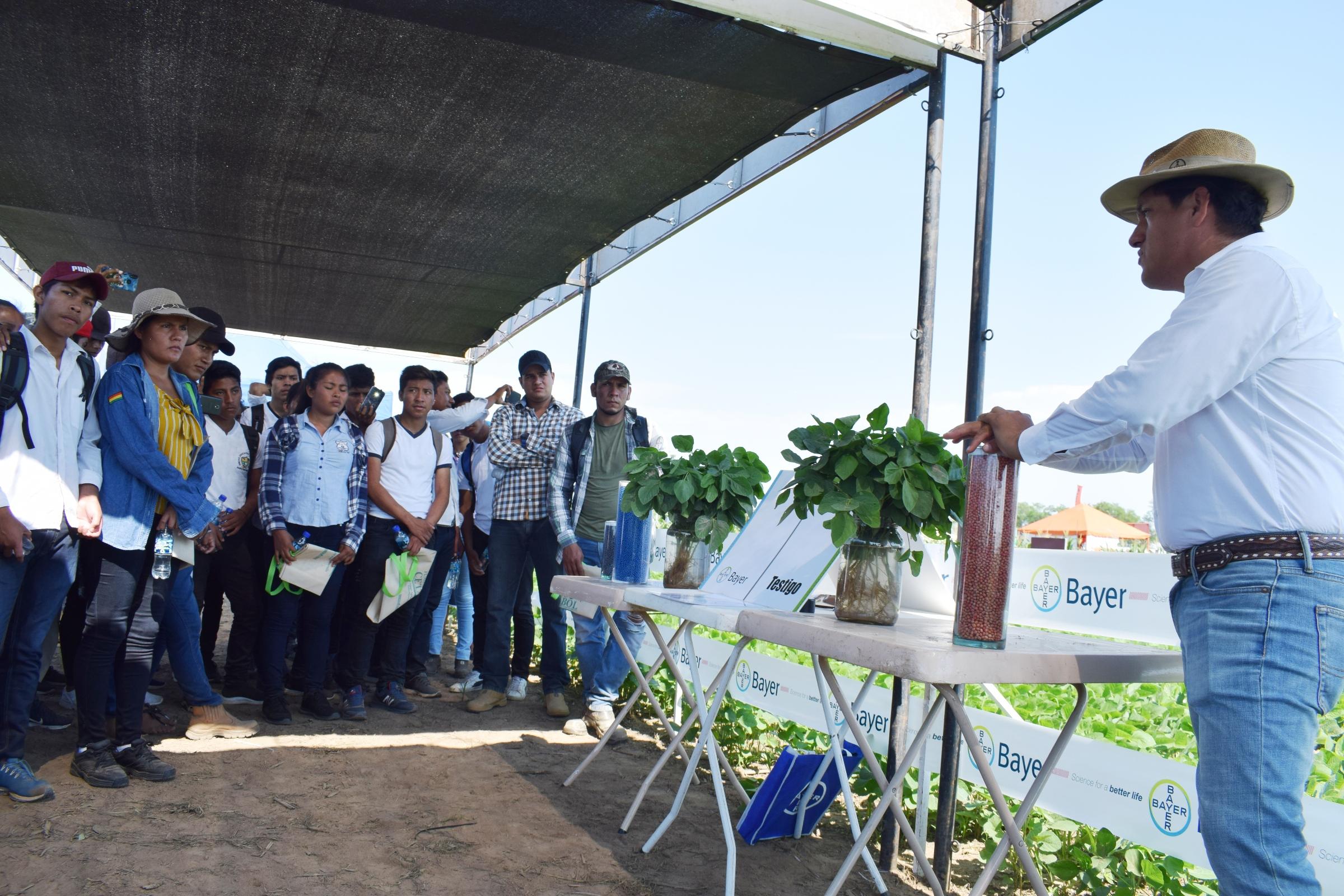 Se llevó a cabo el Día de Campo  Agrícola en Okinawa