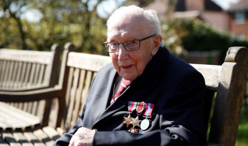 """""""El sol volverá a brillar"""", dice el capitán británico de 99 años, tras recaudar 12 millones de libras"""