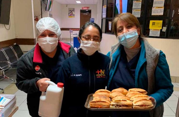Iniciativa ciudadana busca proporcionar cenas a personal de la salud en La Paz