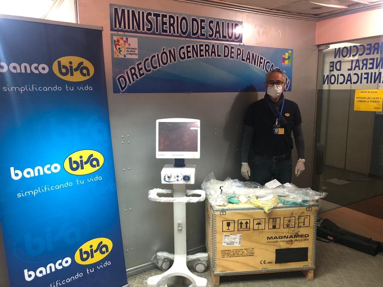 Colaboradores de Banco BISA donan  respirador con sus propios recursos