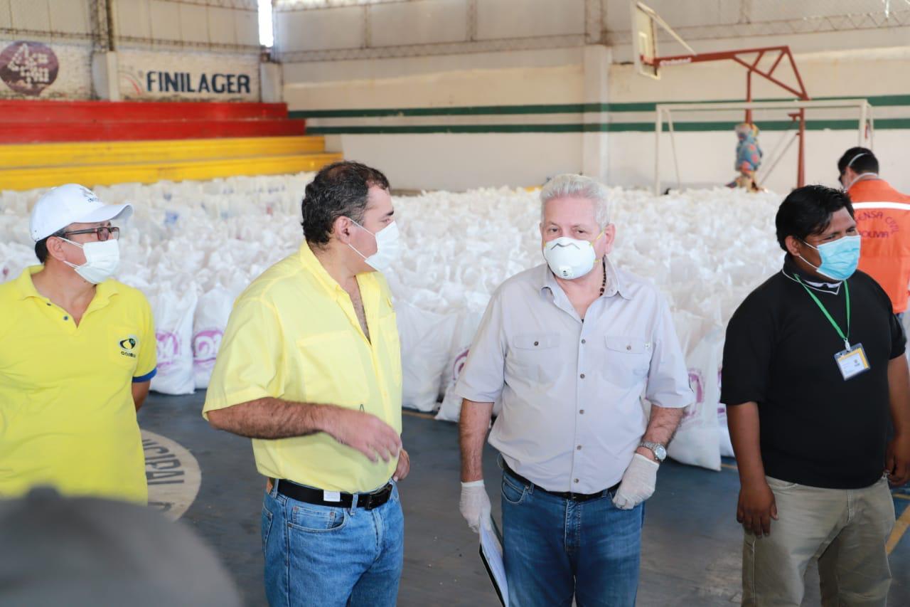BAS: gobernador Rubén Costas entregó 32 toneladas de alimentos en Montero