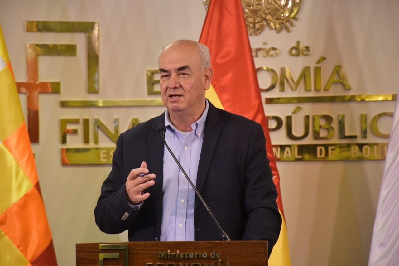 Ministro de Economía anuncia que entidades financieras atenderán ocho horas continuas desde la próxima semana