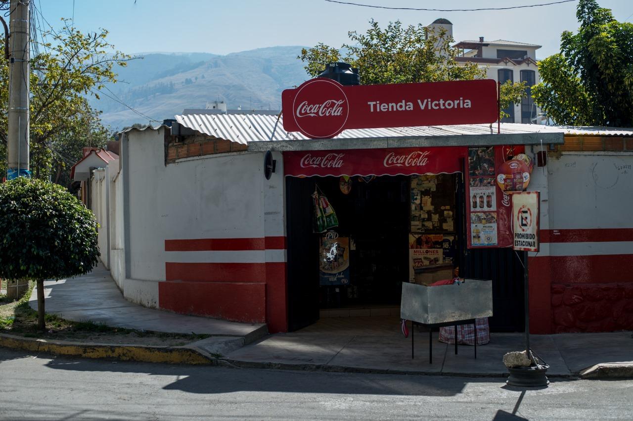 """Coca-Coca lanza """"Tiendas Abiertas"""" para la reactivación económica de pequeños comercios en Bolivia"""
