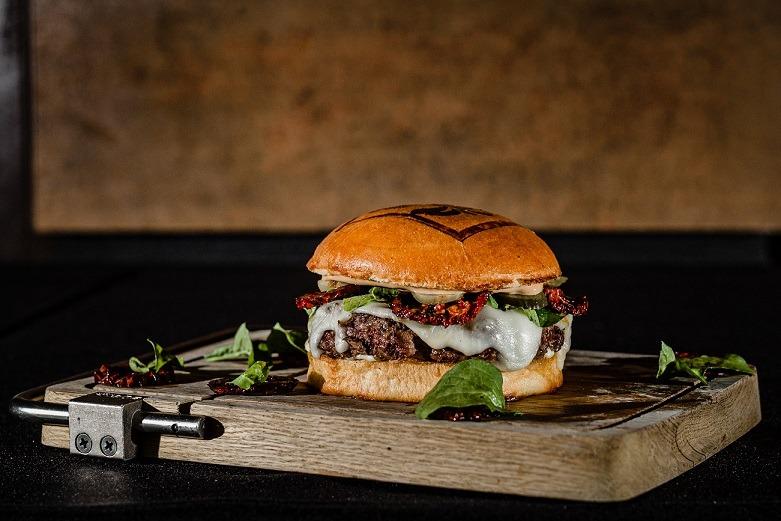 Investigación y experiencia se fusionan en la nueva propuesta de hamburguesas en Santa Cruz