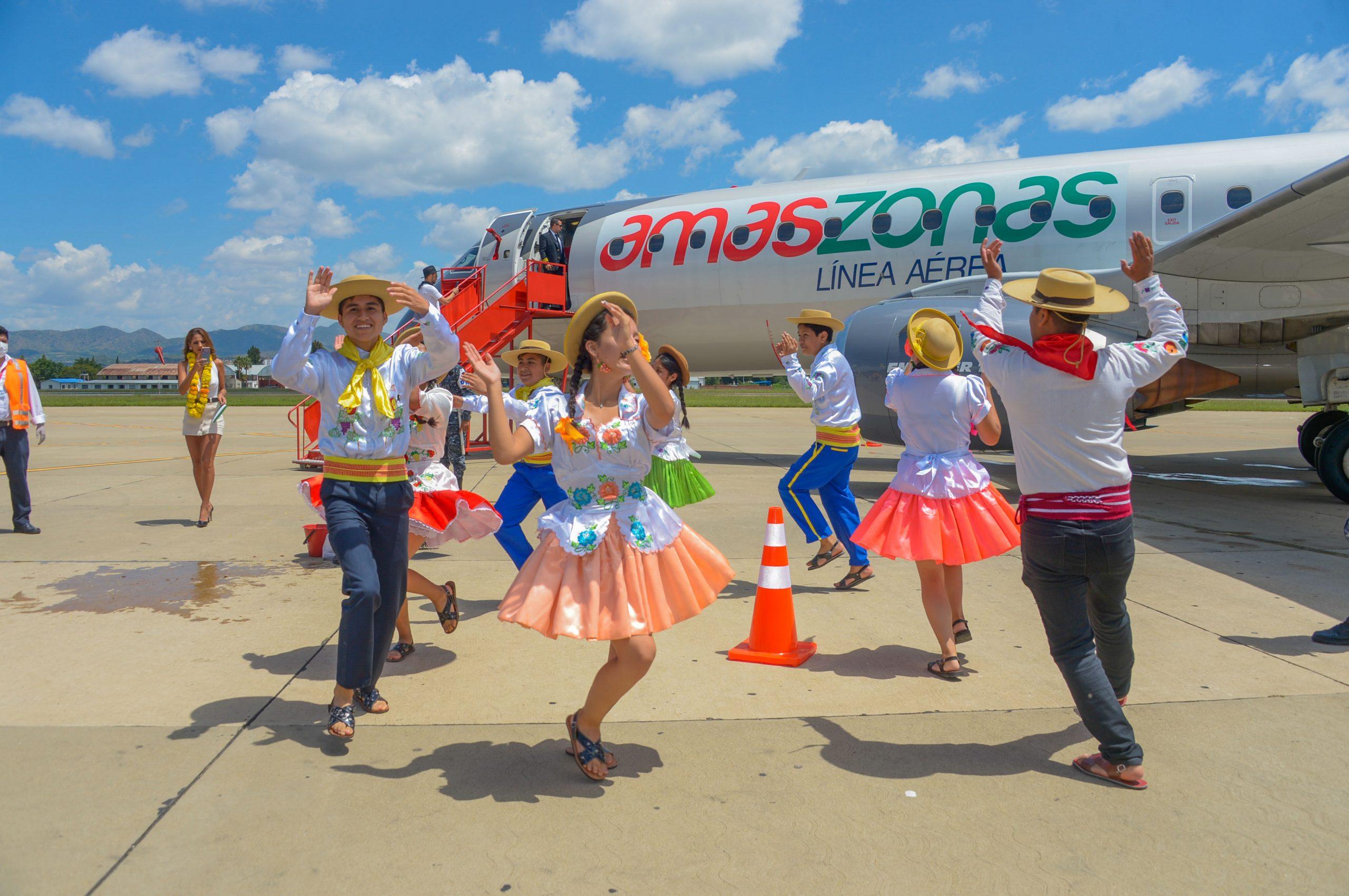 Amaszonas reactiva vuelos a Tarija y transporta material sanitario