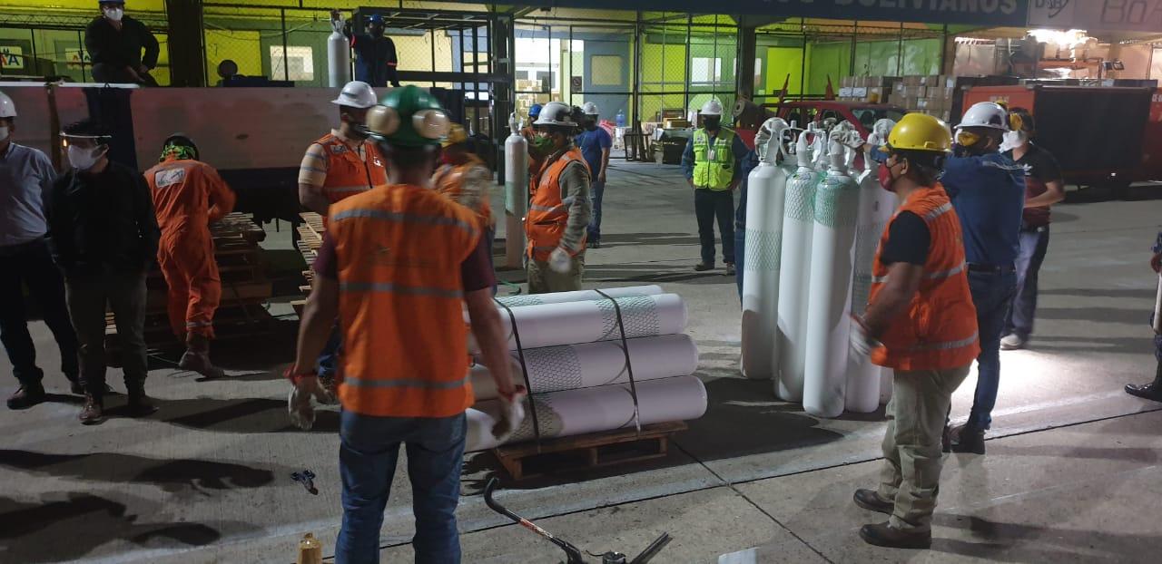 La FAB transportó 158 toneladas de tanques con oxigeno medicinal en el plan salvando vidas