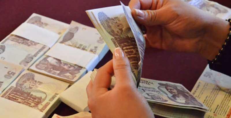 """Gobierno analiza el """"impacto"""" de Ley de diferimiento de créditos y se pronunciará en los siguientes días"""