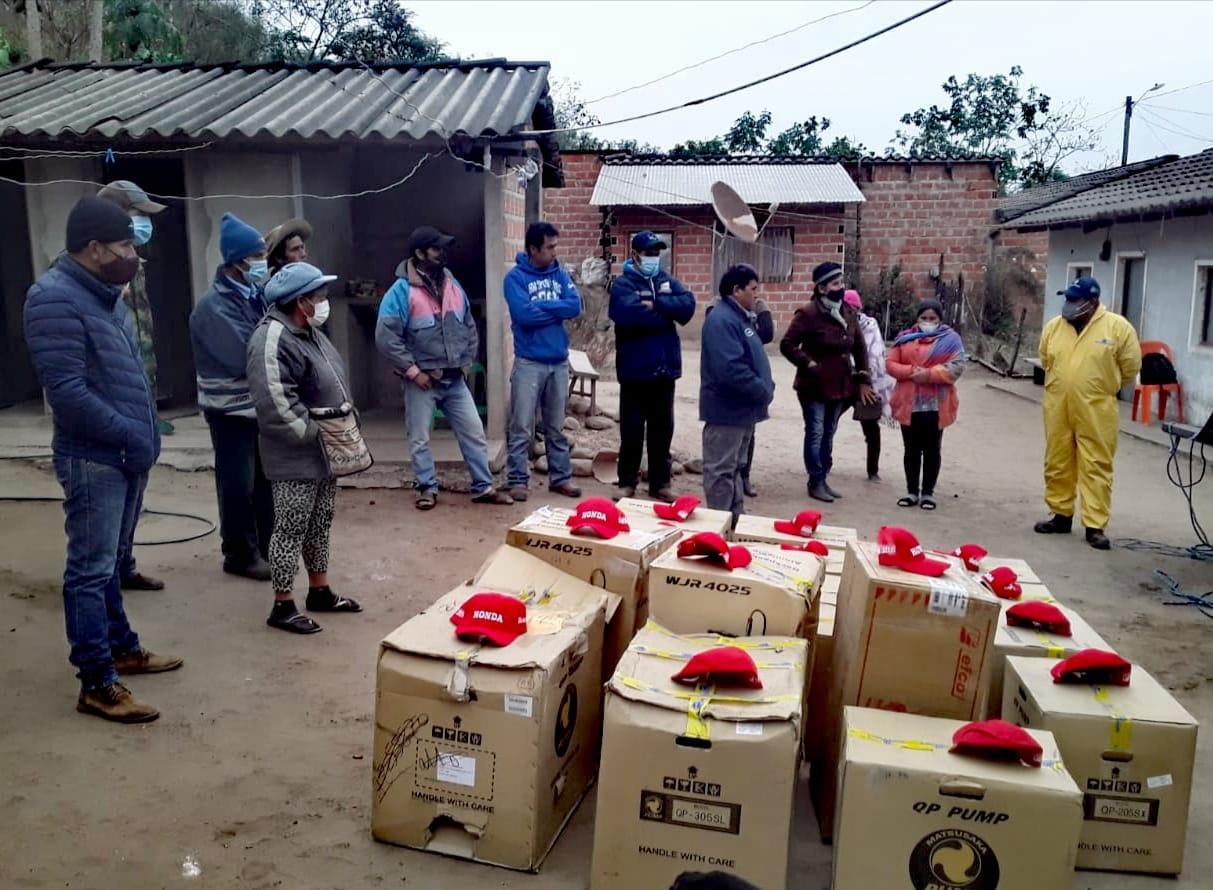 Gobierno entrega insumos y maquinaria a ganaderos de Santa Cruz y Chuquisaca