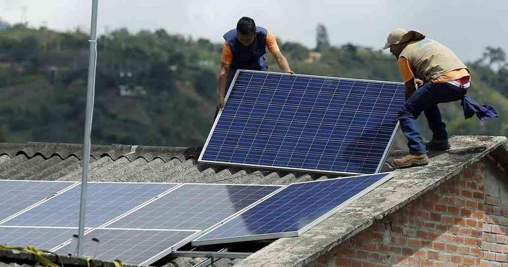 Gobierno firma convenio para electrificar con paneles solares tres comunidades de San Ramón-Beni