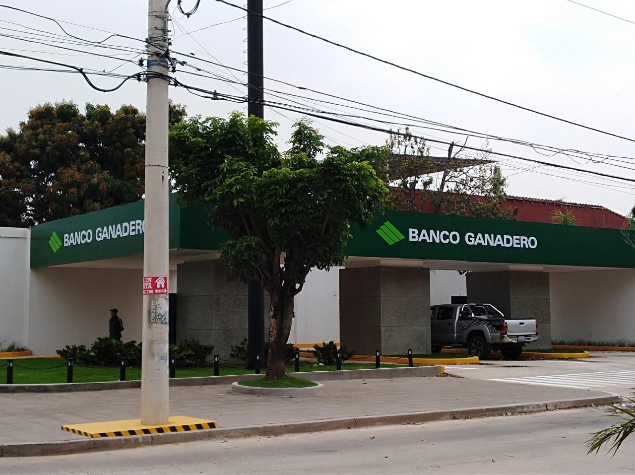 """Banco Ganadero implementa Autocajeros para realizar transacciones """"sobre ruedas"""""""