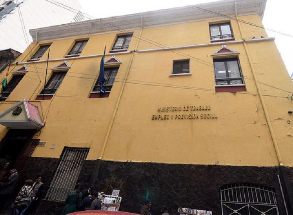 Senadora Gonzales pide investigar a Federación de Sindicatos Eléctricos