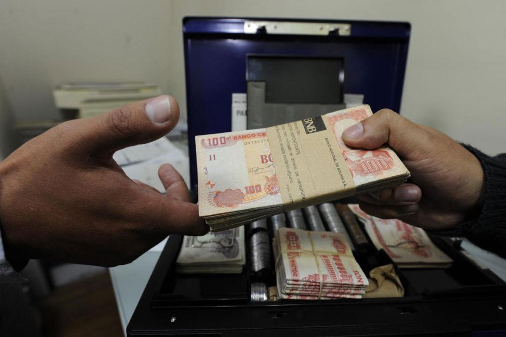 El Gobierno pide a la ASFI hacer cumplir la Ley de diferimiento de créditos