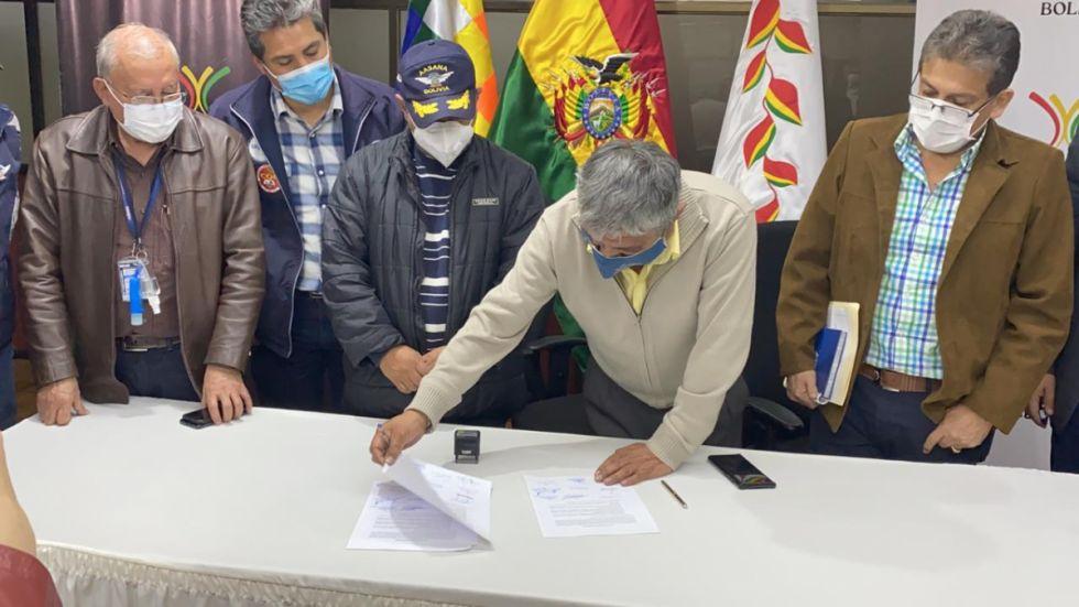 El Gobierno logra un acuerdo salarial con trabajadores de AASANA