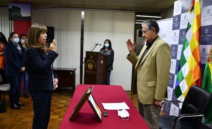 María Michel Cortez asume como Viceministra de Comercio Interno